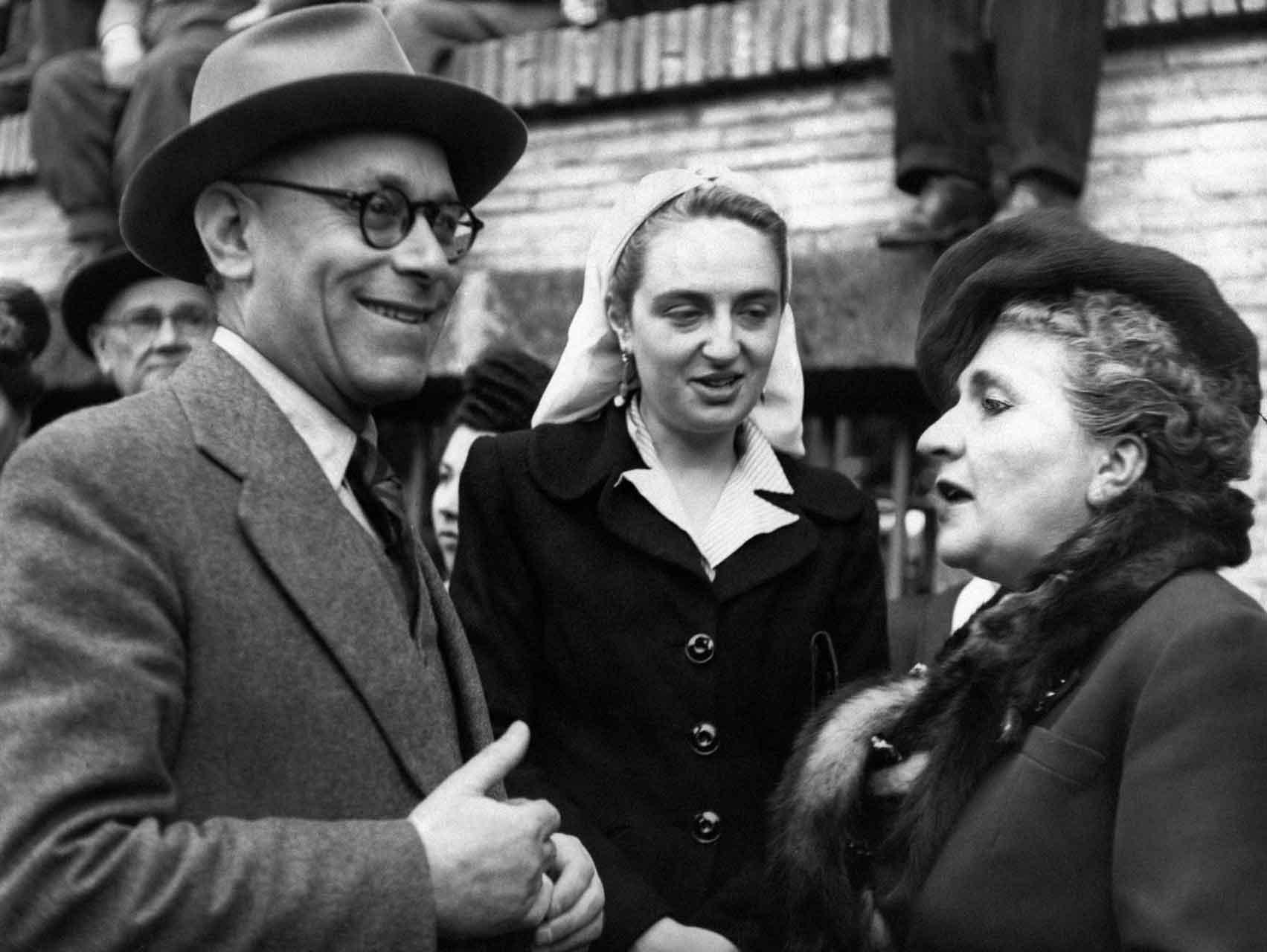 Lina-Merlin-con-il-senatore-Umberto-Terracini