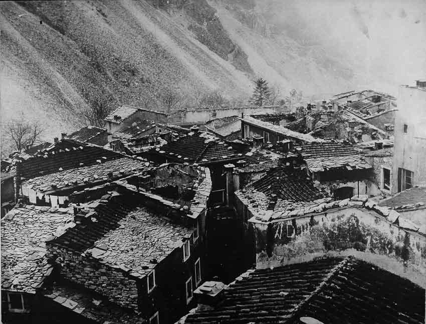 Bombardamenti Carrara